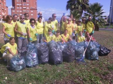 pulizia-parco-europa-latina-volontari