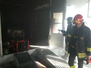 latina-vigili-fuoco-incendio-via-maira-4