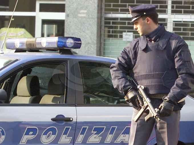 polizia-mitra-auto