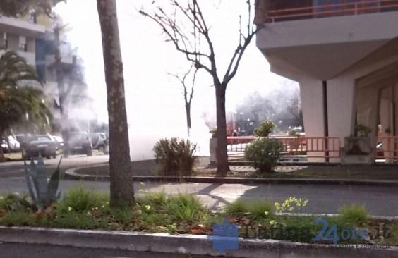 auto-incendio-via-fiuggi-latina-2