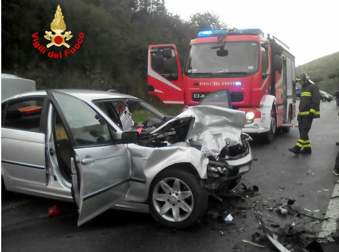 incidente-via-appia-vigili-fuoco