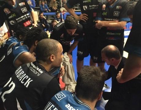 latina-basket-2016-timeout