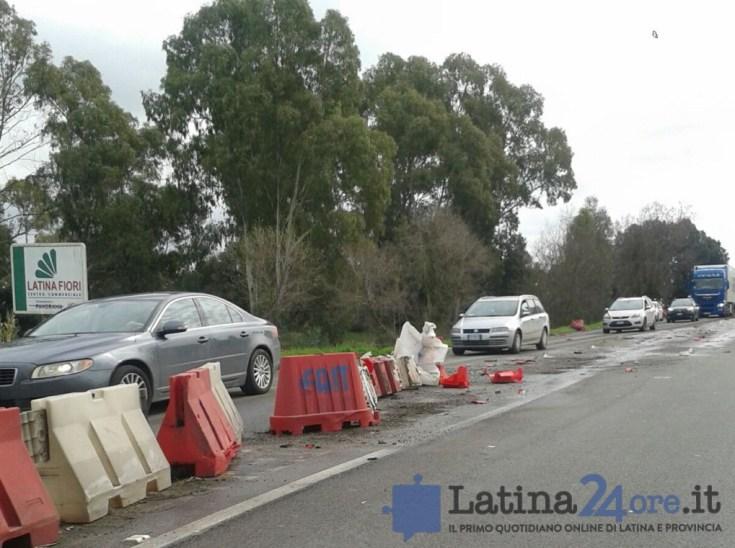 incidente-tir-guardrail-pontina-latina24ore