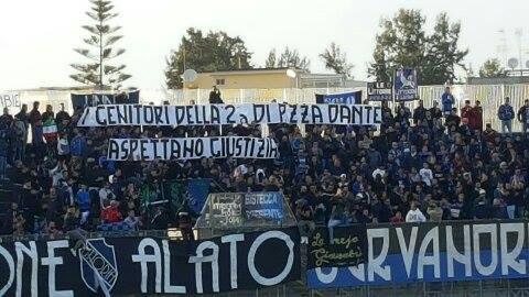 striscione-latina-calcio-maestre-asilo