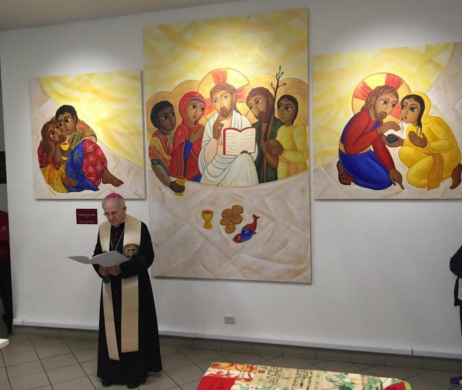 vescovo-crociata-benedizione-trittico