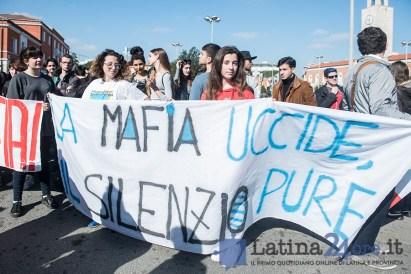 latina-corteo-studenti-mafia