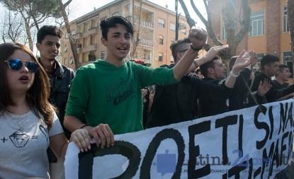 latina-studenti-corteo-21marzo