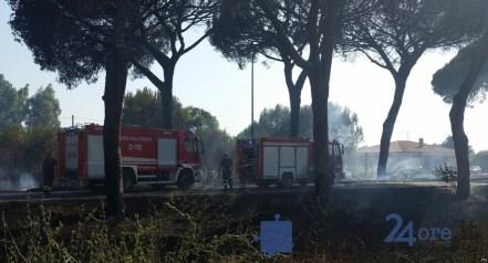 vigili-fuoco-incendio-latina-2