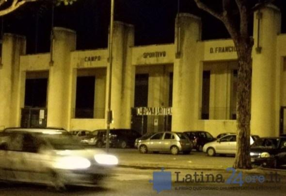 striscione-chiappini-vattene-stadio-latina