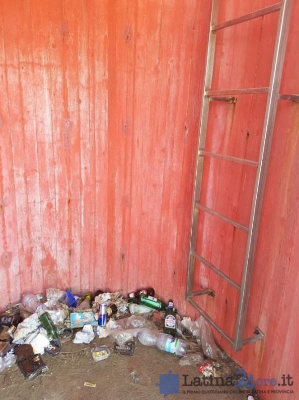 sporcizia-rifiuti-riomartino-porto-canale-6