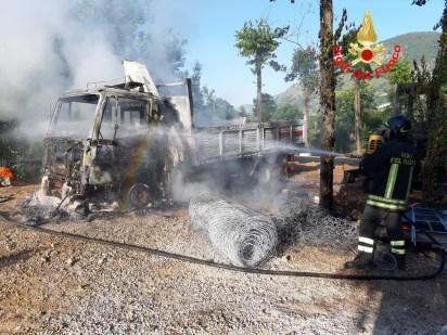 esplosione-msanbiagio-vigili-fuoco