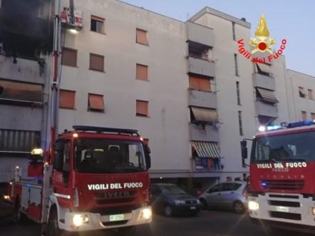 incendio-palazzo-cisterna