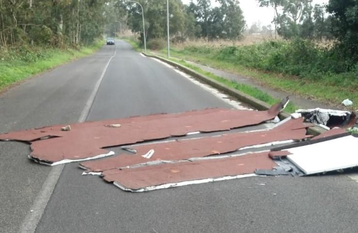 maltempo-latina-tetto-vento-danni