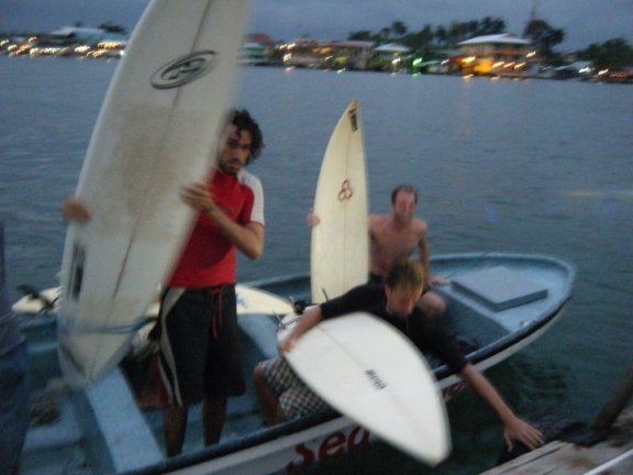 Panama Bocas Del Toro surfing