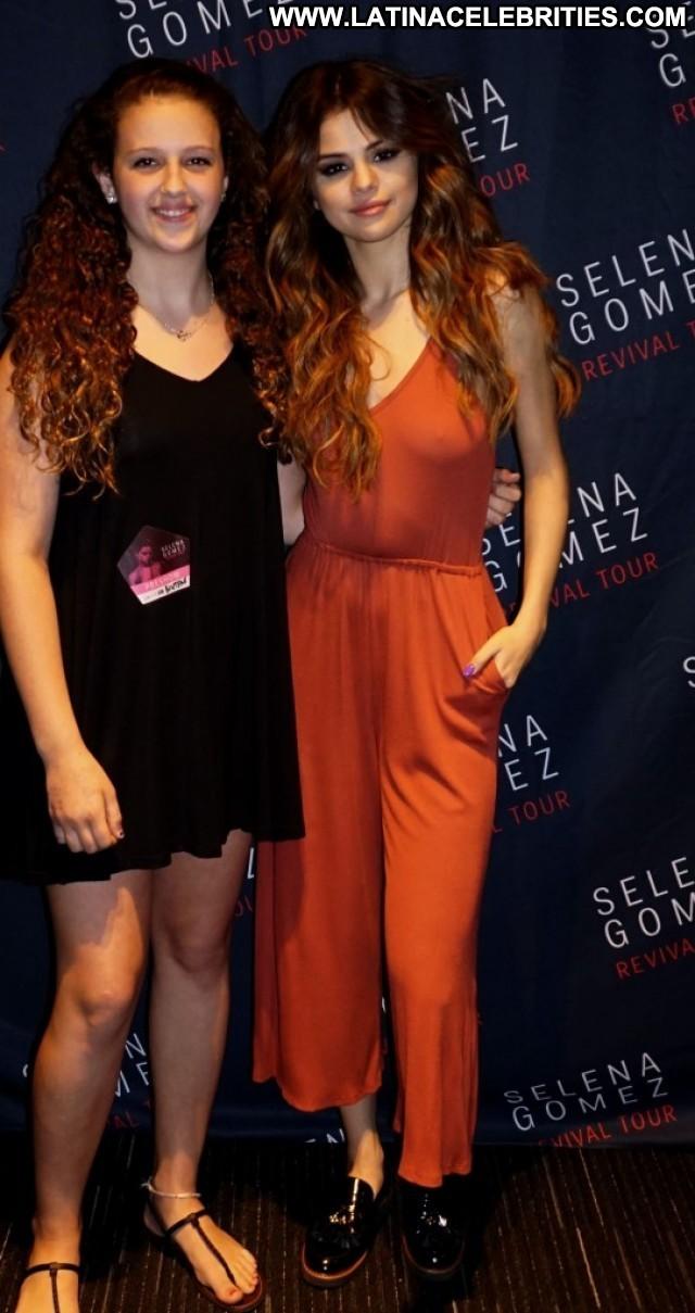 Selena Gomez Miscellaneous Beautiful Brunette Latina Sultry Celebrity