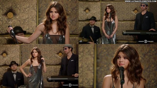 Selena Gomez Inside Amy Schumer Celebrity Cute Sexy Latina Medium