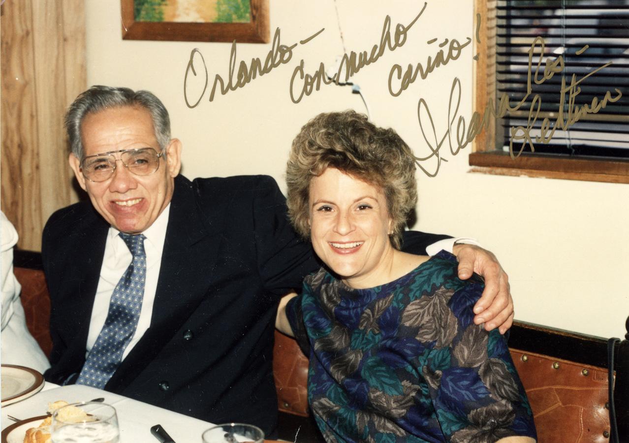 Congresista Ileana Ros feliz junto a uno de los más grandes terroristas del continente, el fallecido Orlando Bosh