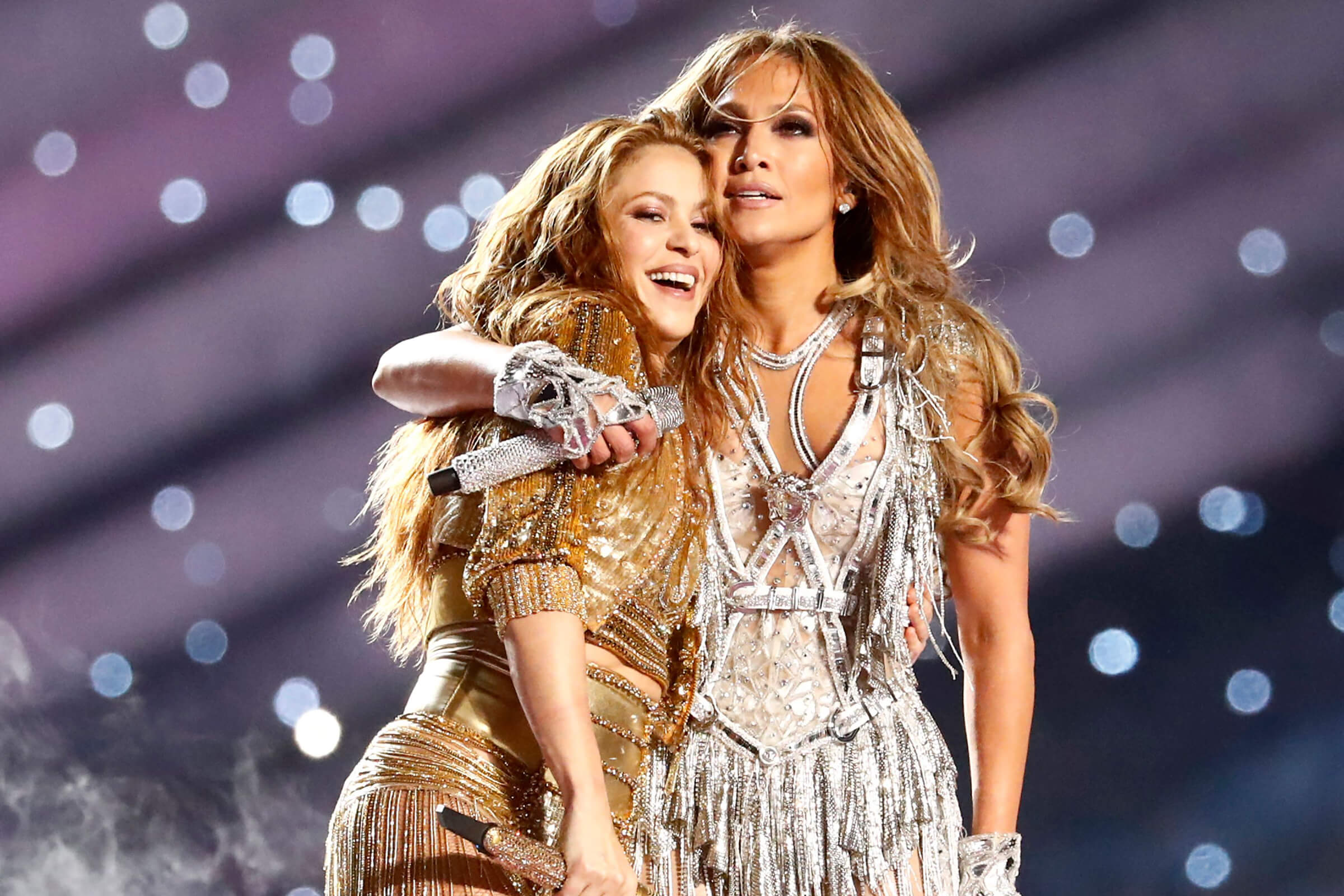 Latinas JLo and Shakira