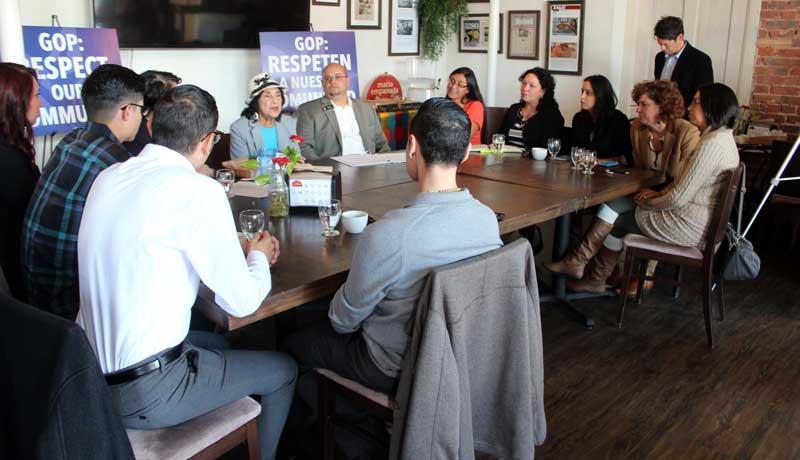 Dolores-Huerta-political-roundtable-2015-(46)