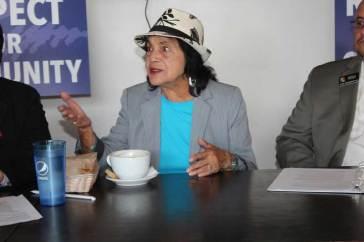 Dolores-Huerta-political-roundtable-2015-(50)