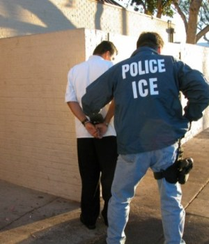 ice_US_Immigration_and_Customs_Enforcement_arrest_2