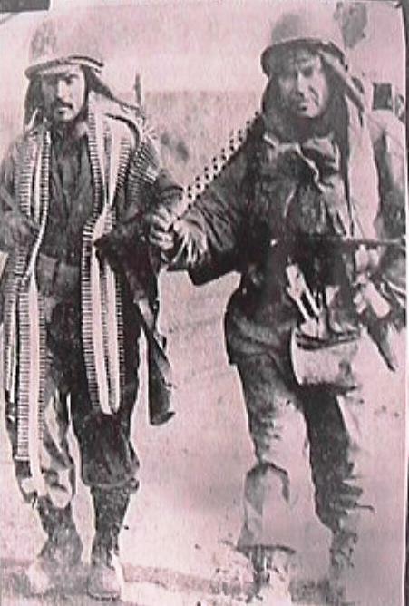 """Hugnam, Korea: 24 December 1950. """"Últimos en salir"""""""