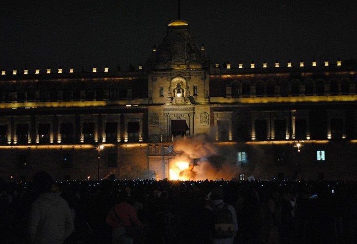 National Palace,,November 8 protest, Mexico City. Photo by ProtoplasmaKid (Wikimedia Commons)