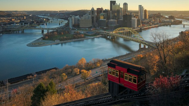 Downtown Pittsburgh and the Duquesne Incline from Mt. Washington (Dllu/Wikimedia Commons)