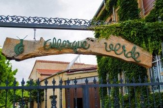 The entrance to Albergue Verde
