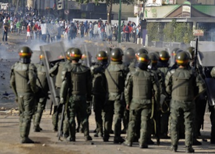 Venezuela Issues Arrest Warrants for 15 Soldiers Tied to Fatal Shooting