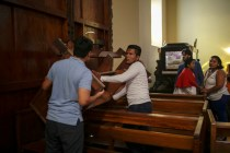 Nicaragua: Pro-Government Crowd Attacks Church Parishioners