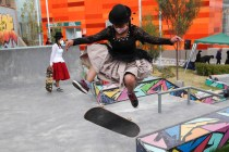 Bolivian Women Skateboard in Aymara Garb to Showcase Culture