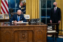 US Ends Deal With Arizona Restricting Biden on Immigration