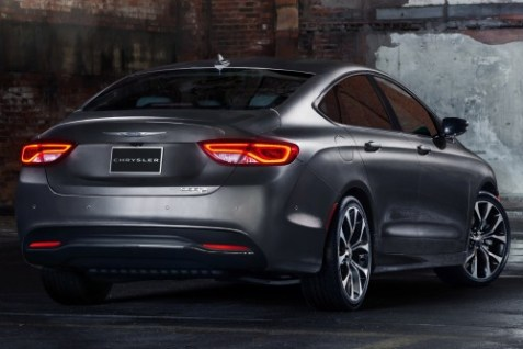2015_chrysler_200_2