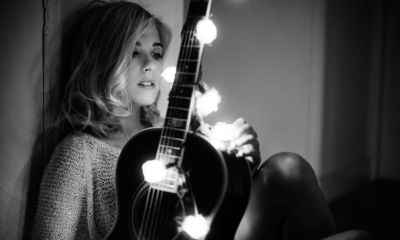 Virginia Labuat anuncia o atraso no lançamento de seu novo CD