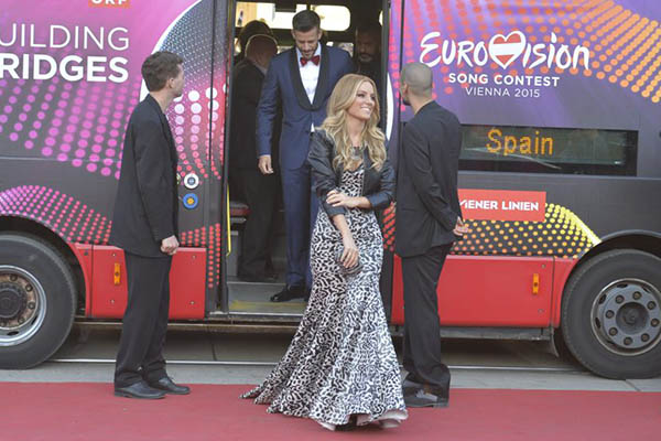 Espanha Edurne Giuseppe Di Bella Opening Ceremony Eurovision