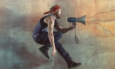 Volar é o segundo videoclipe do álbum Historias Tattooadas, de Macaco
