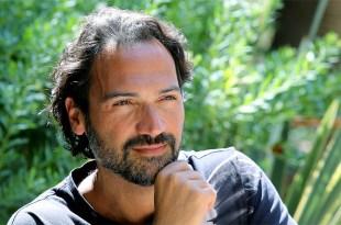 O cantor e compositor Davide Esposito tem alcançado maior sucesso na França do que na Itália