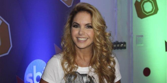 Lucero fala sobre sua participação no show de Cúmplices de Um Resgate e sobre o elenco de Carinha de Anjo