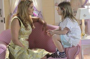 A pequena Lorena Queiroz (Dulce Maria) e Lucero são mãe e filha em Carinha de Anjo, nova novela infanto-juvenil do SBT