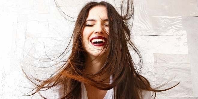 Lodovica Comello confirma novo disco e promete trazer turnê ao Brasil