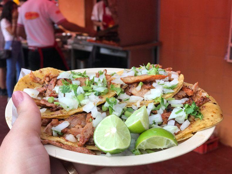 O que fazer em uma conexão no México?