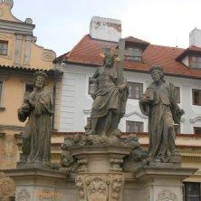 gruppo statue sul ponte