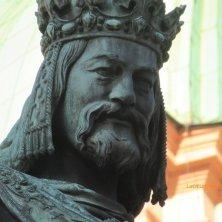statua Carlo IV