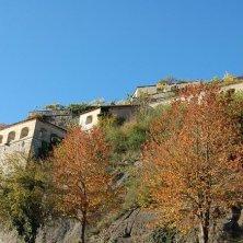 mura in autunno