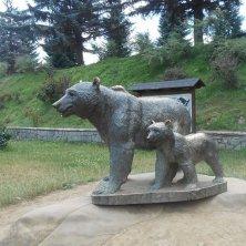 statua orsa