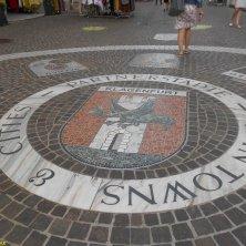 mosaico con lo stemma di Klagenfurt