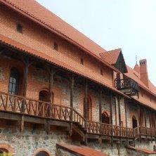 interno del castello-cortile