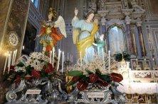 statue in chiesa