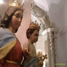 statue Madonna